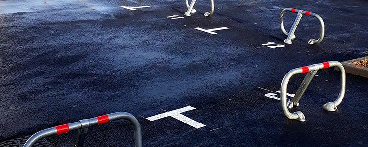 Réalisation du marquage au sol, de la pose des panneaux et des 19 blocs parking pour la ville de Véretz (37).