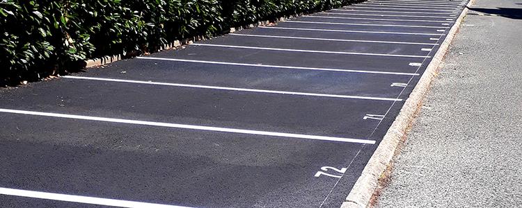 Réalisation d'un marquage de parking dans la ville de Tours (37).