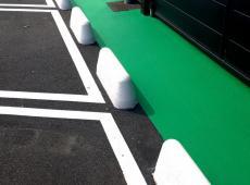 Réalisation du marquage sur le parking de BMW à Chambray-lès-Tours courant avril.