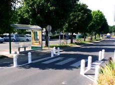 Différentes installations en signalisation posée dans la ville de Bléré en Indre et Loire.