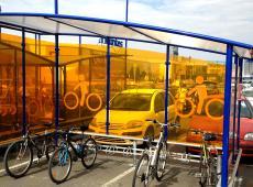 Habillage en adhésif des abris vélo au Carrefour des Atlantes - St Pierre des Corps (37)