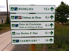 Panneaux directionnels pour la VOIE VERTE Chinon-Richelieu (37)